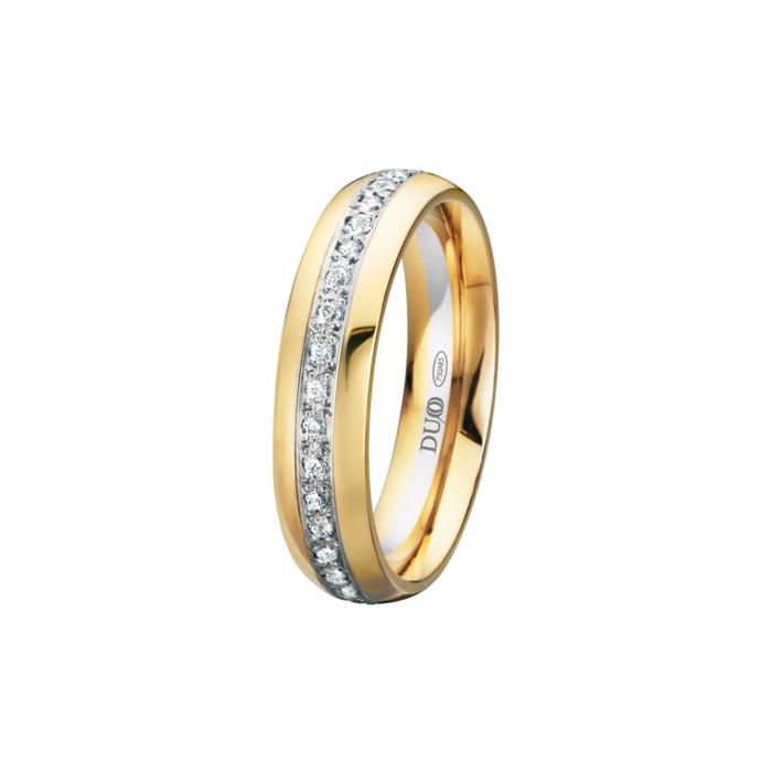 alianza-boda-oro-amarillo-ovalada-carril-central-diamantes