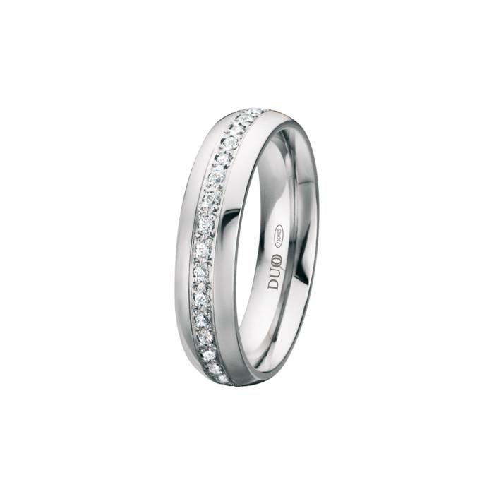 alianza-boda-oro-blanco-ovalada-carril-central-diamantes